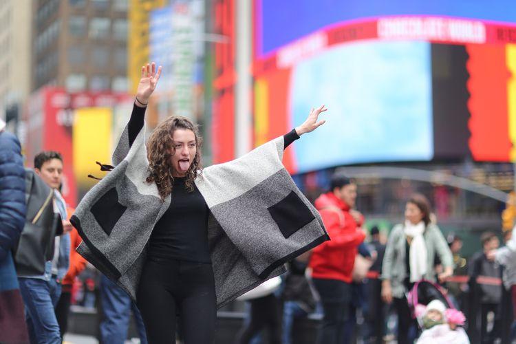 Weeeee! woman making fun pose T - kevinrubin | ello