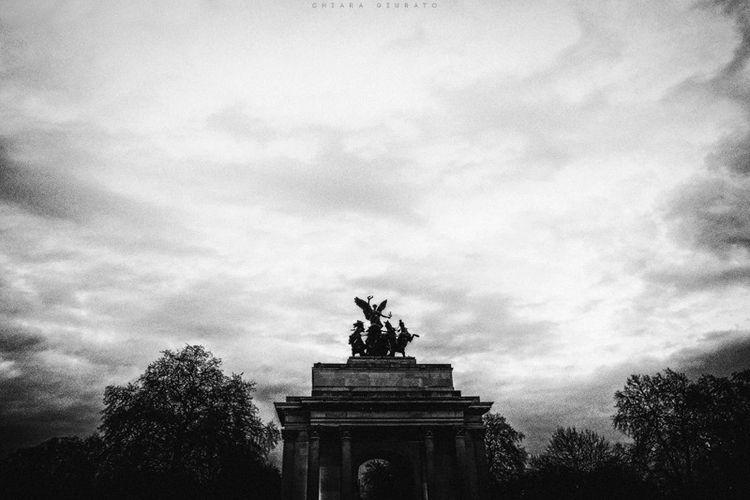 Chiara Giurato postcards London - chiaragiurato | ello