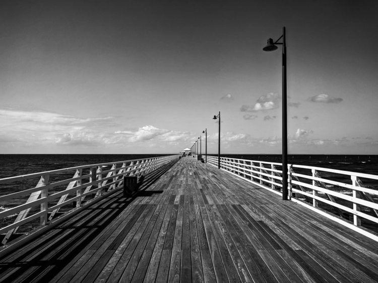 Shorncliffe Pier, QLD, Australi - daphot | ello