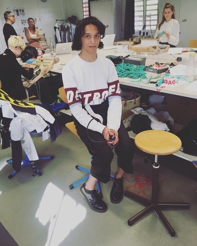 :zap:️🖤  - FashionStudents, ReunionIsland - karinechaneyin | ello