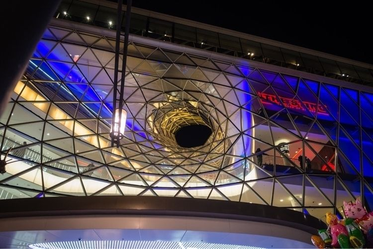 photographs captured mall Zeil - bkiessli | ello