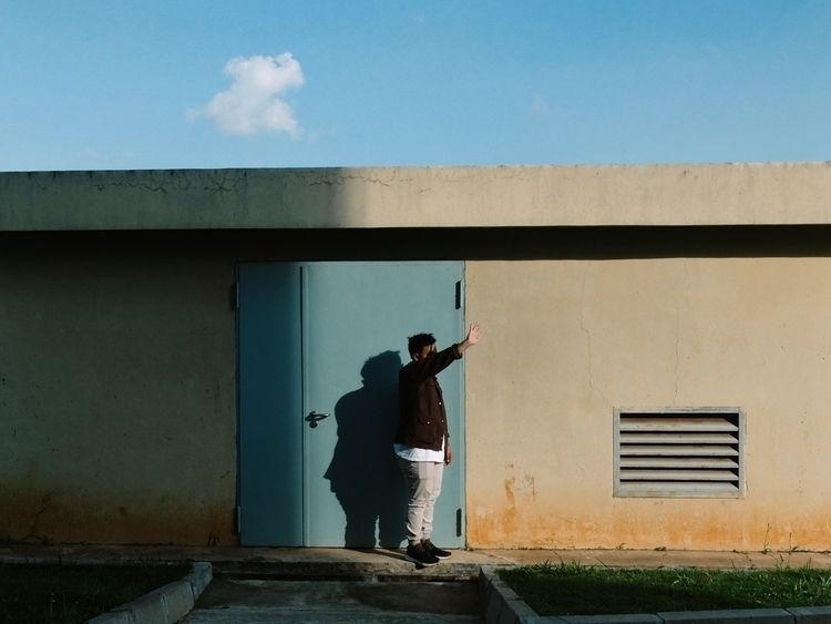 shadowplay, minimalism - dsdesta | ello