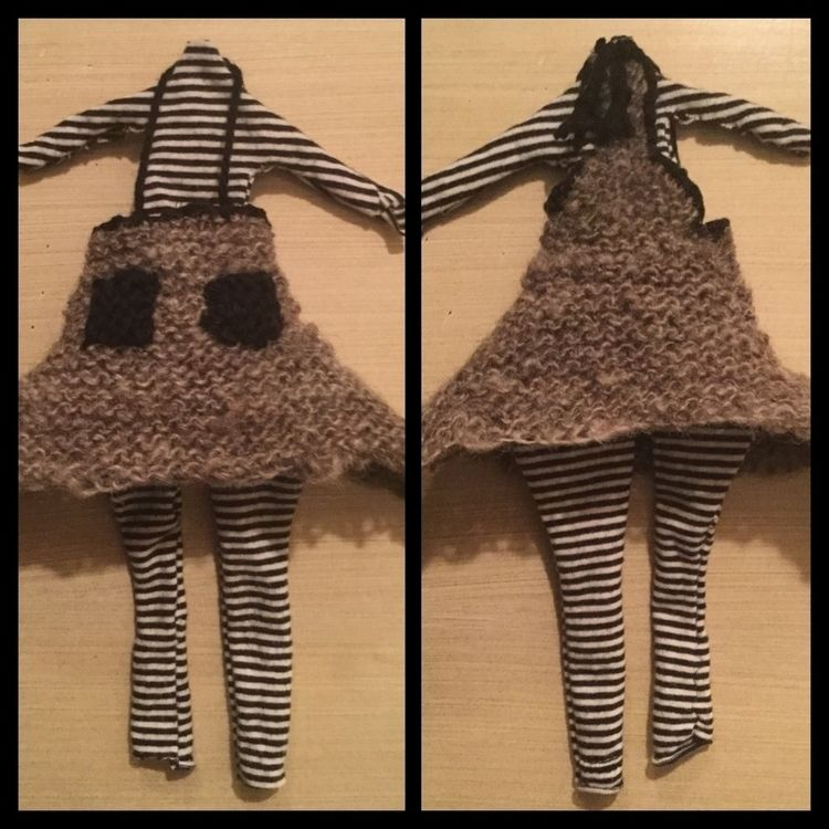 tiny Knitted art doll outfit re - laurabalducci | ello