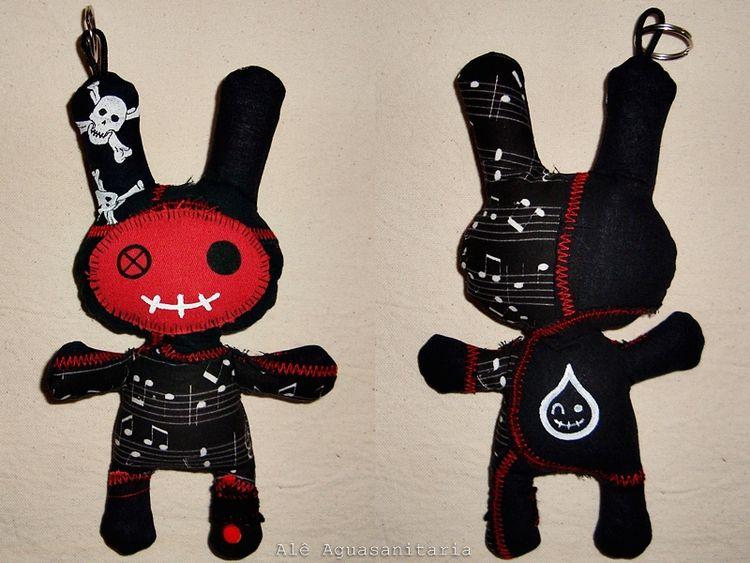 Toy art artesanal, 19 cm, peça  - aguasanitaria | ello