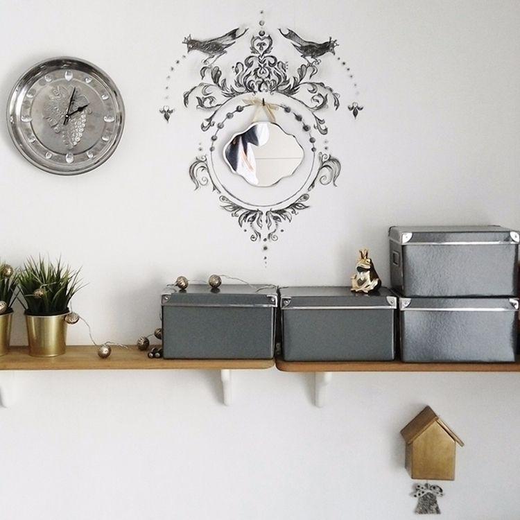 Empty space wall. hang small st - grabatdot   ello