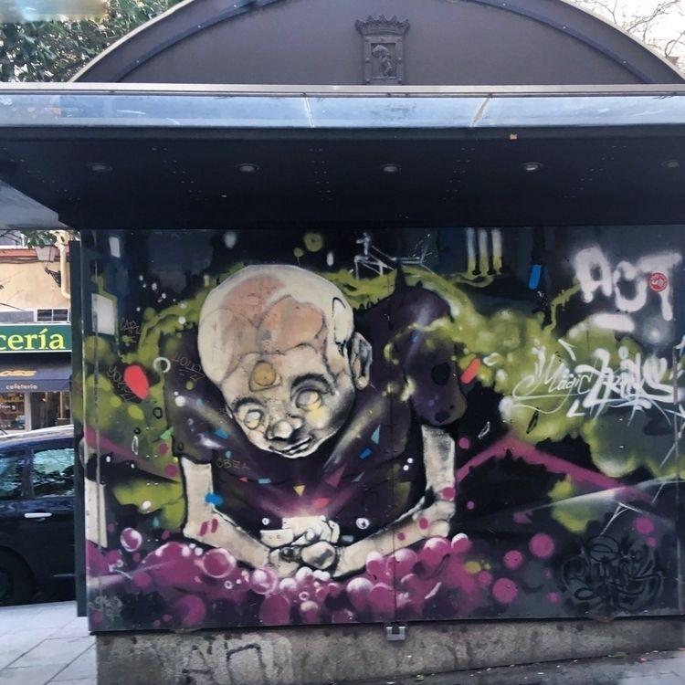 gurus lies - Madrid, Lavapies, color - antoniofse | ello
