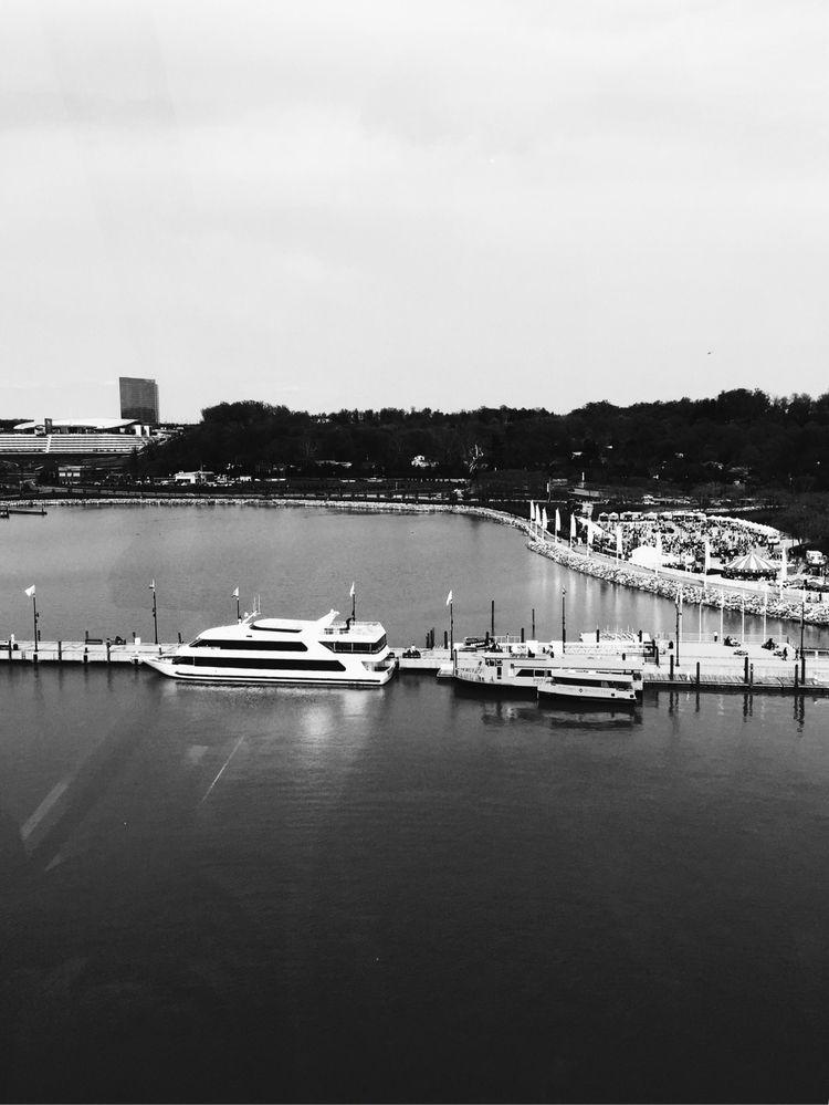 National Harbor - bnw, blackandwhite - lali_olivia   ello