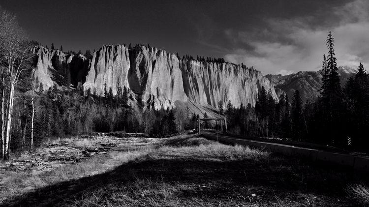 Columbia Valley Hoodoos Novembe - camwmclean   ello
