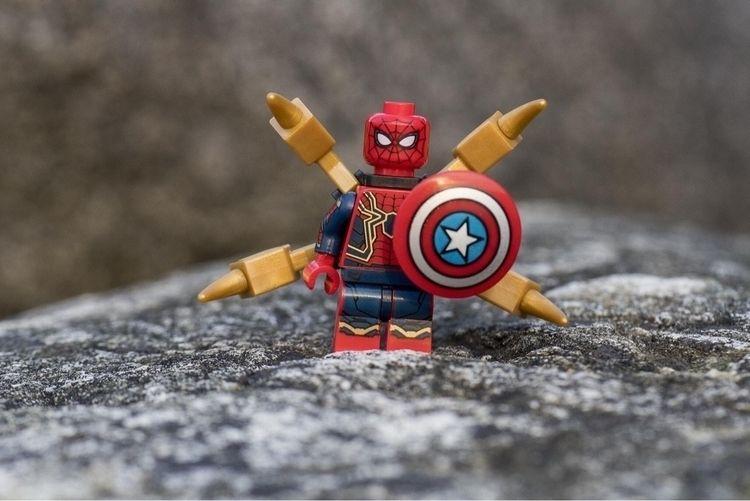 Avengers, captured - lego - equalmotion | ello