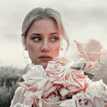 Lili Reinhart, Cole Sprouse - lightsonlalli | ello