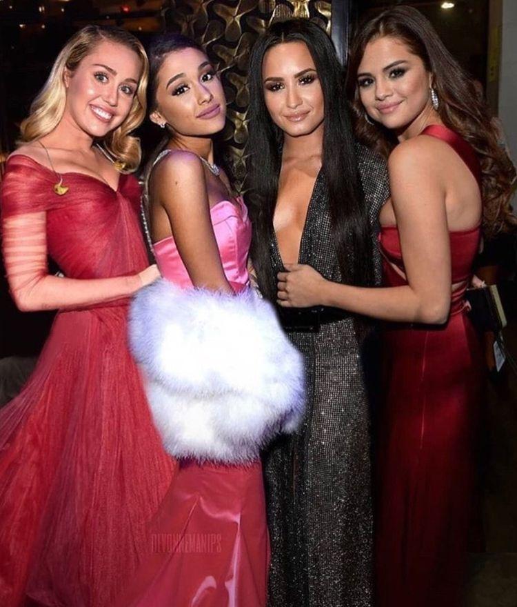 princesas pop junto com camila - maggielindmann | ello