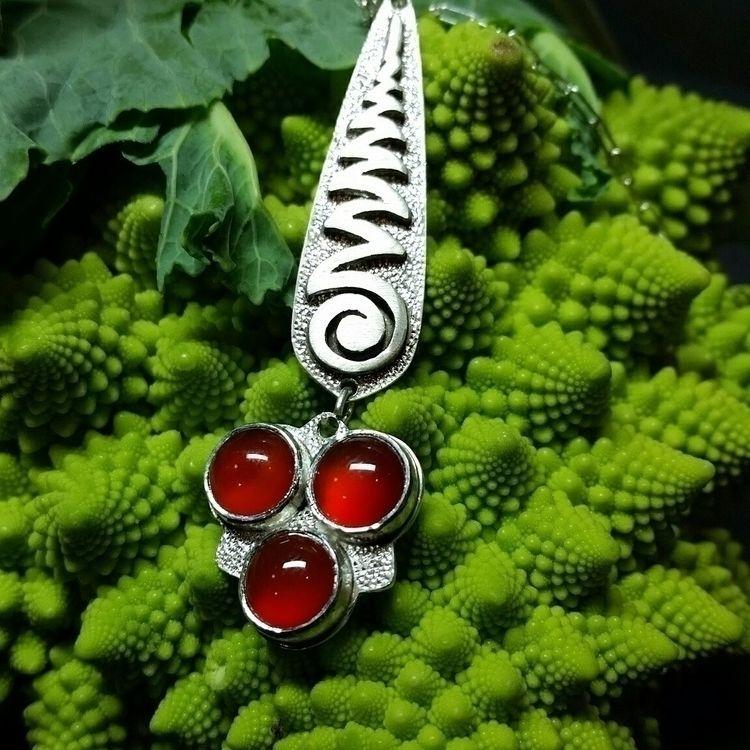 Zigzag Carnelian Pendant - jewelery - bobarto | ello