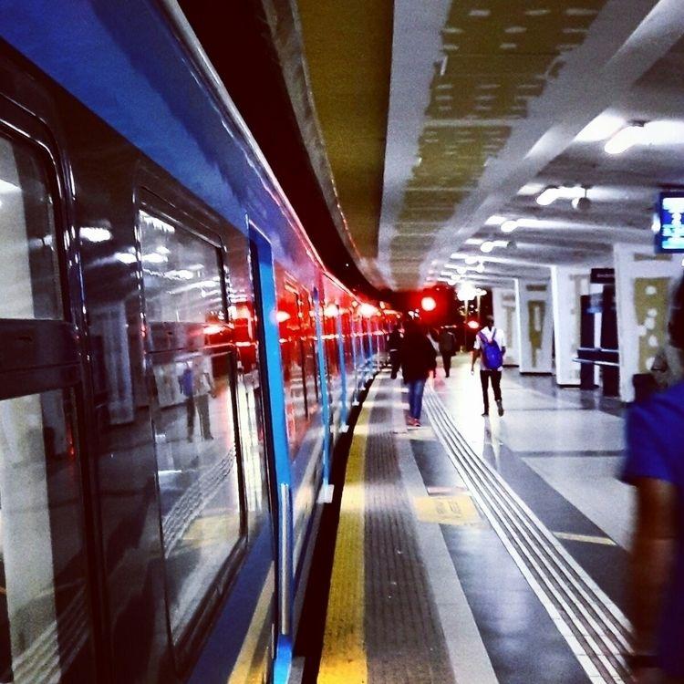 Trainstation. Buenos Aires, Arg - fotos-urbanas-ba | ello