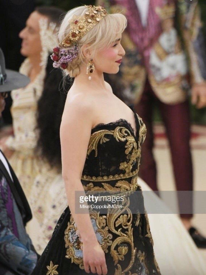 Daenerys Targaryen também está  - kiwiofharry   ello