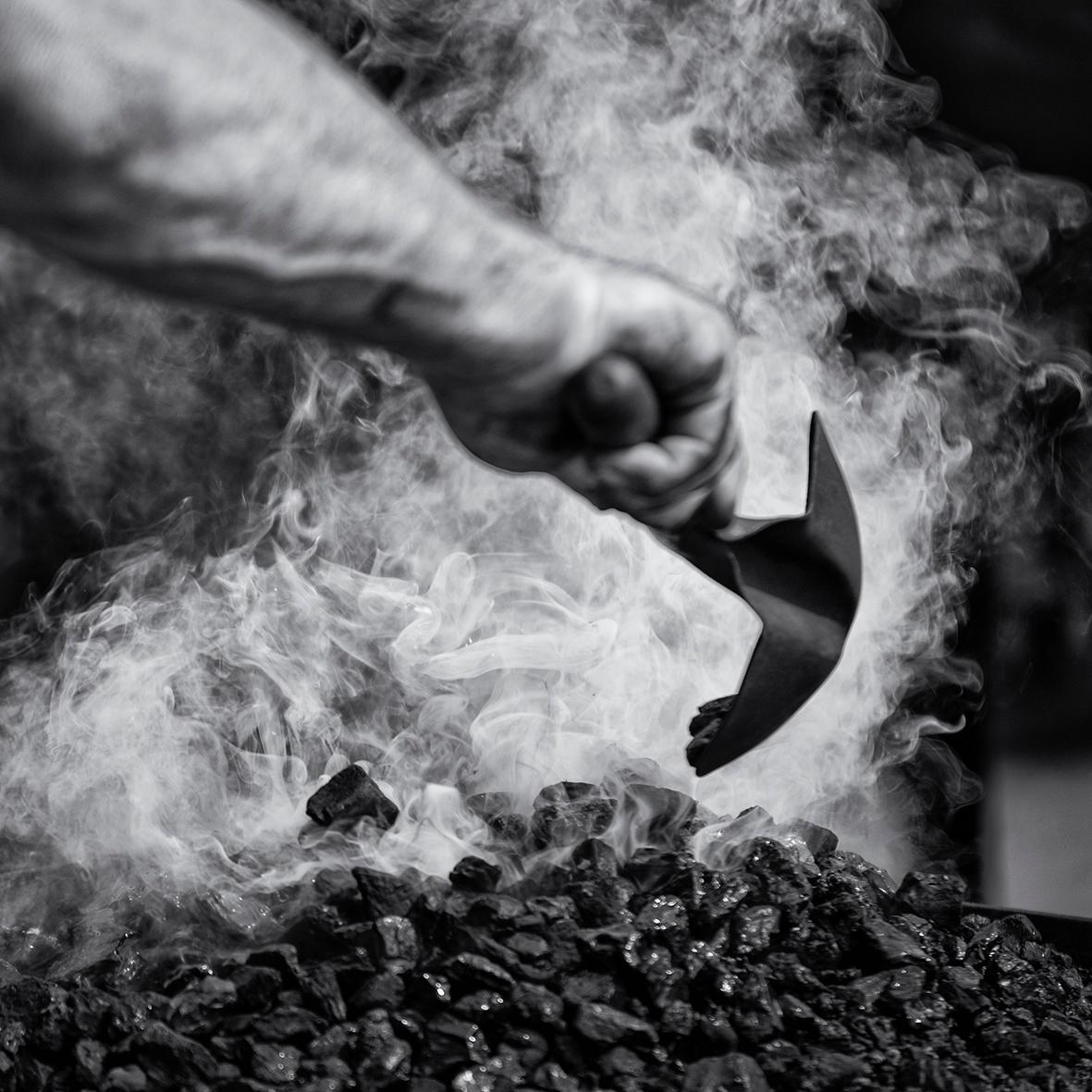 Blacksmith. Fire. Steam. Hammer - mauriliers | ello