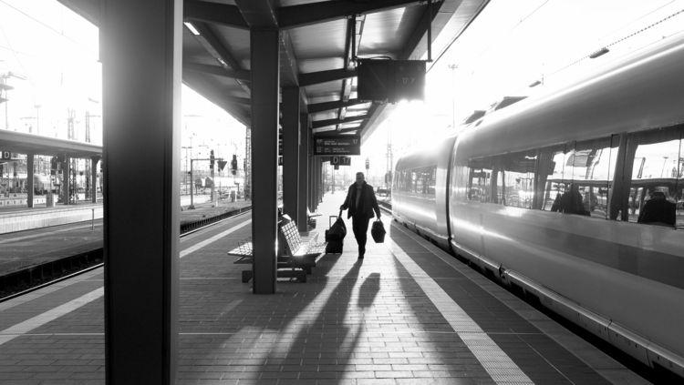 Late arrival FFM Dec. 2017 - frankfurt - thanospal | ello
