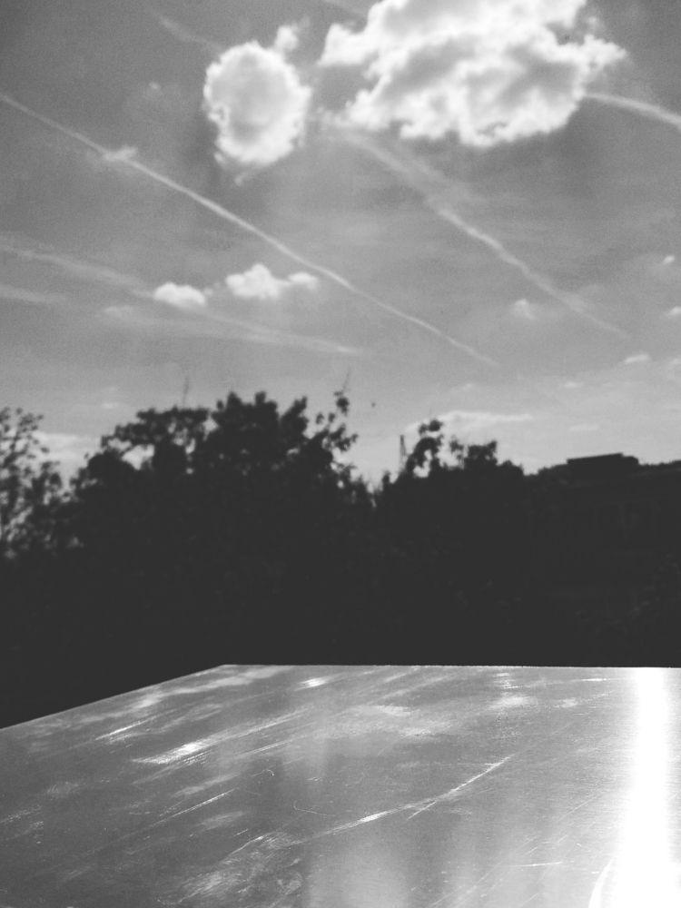 SCRATCHEA SKY, STREAKS METAL SH - _axl | ello