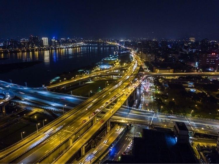 Busy city - 台灣, 台北, 空拍, 城市, 車, 人 - kk32311 | ello
