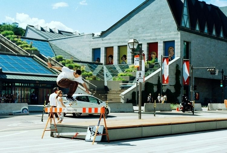 Colin Cimon - Nollie Shifty - quebec - brissphoto | ello