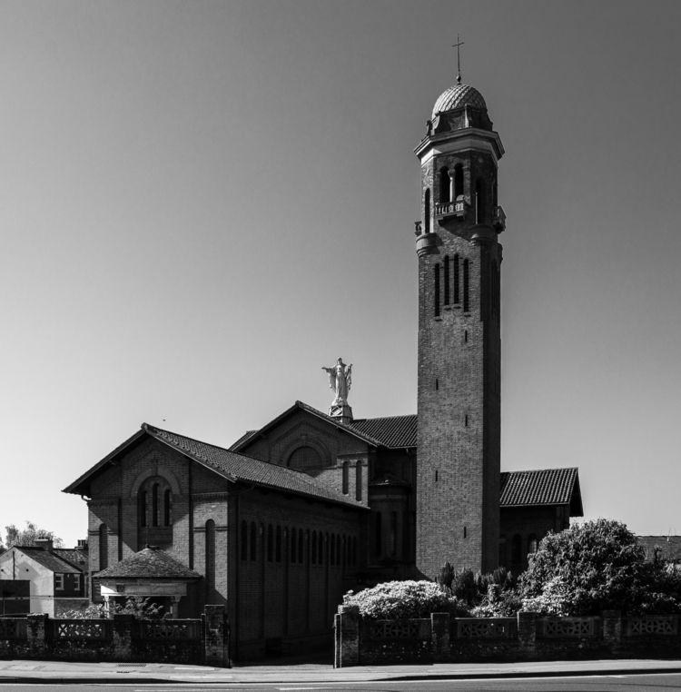 St Catholic Church, Newbury - Berkshire - andrewendean   ello