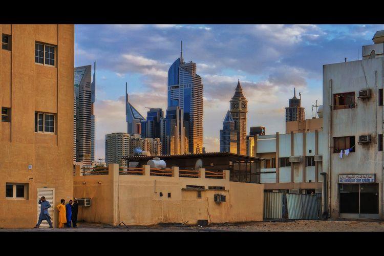 Ode Al Satwa Denizens Dubai - streetphotography - khuram | ello