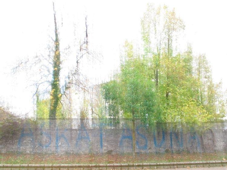 ESANAK IZAN ASKATASUNA means FR - jonlanbroa | ello
