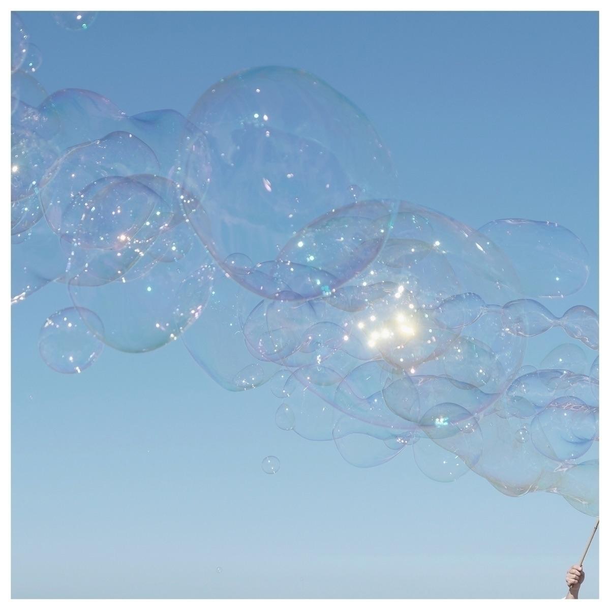 Light soap bubble Léger comme u - murielleetc | ello