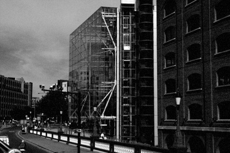 London - photography, bw, urban - avakelly   ello
