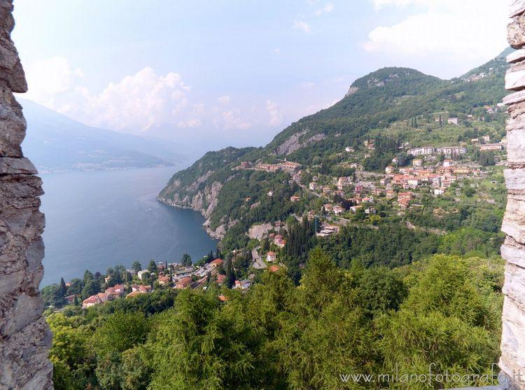Varenna (Lecco Italy): top towe - milanofotografo | ello