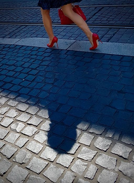 | Track!Place du Molard, Geneva - ziolele | ello