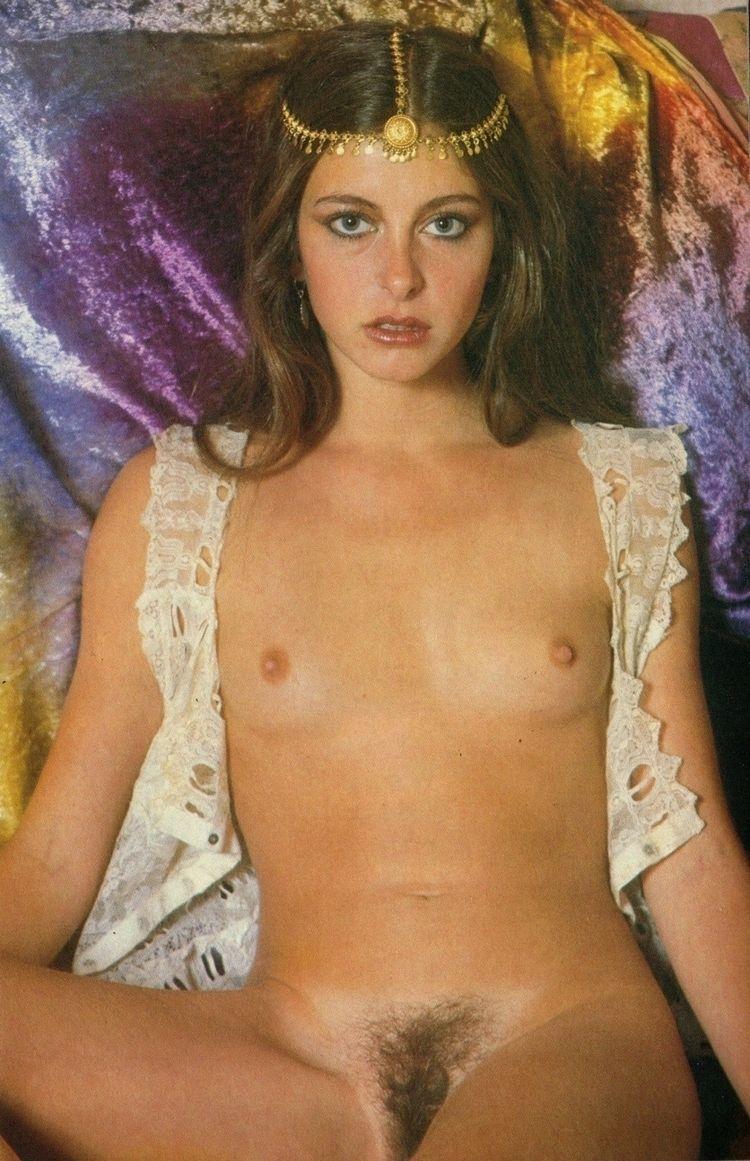 Nona Batey - 1980 - hairy, nsfw - pornographicus65 | ello