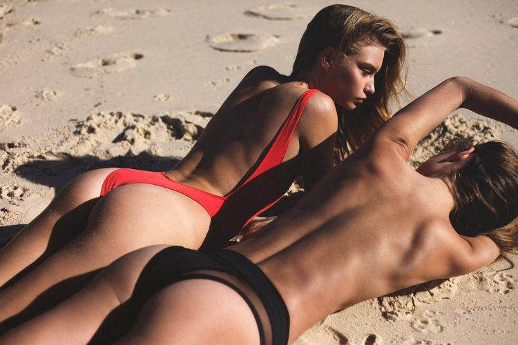 bikini, topless, beach, blonde - guermo | ello