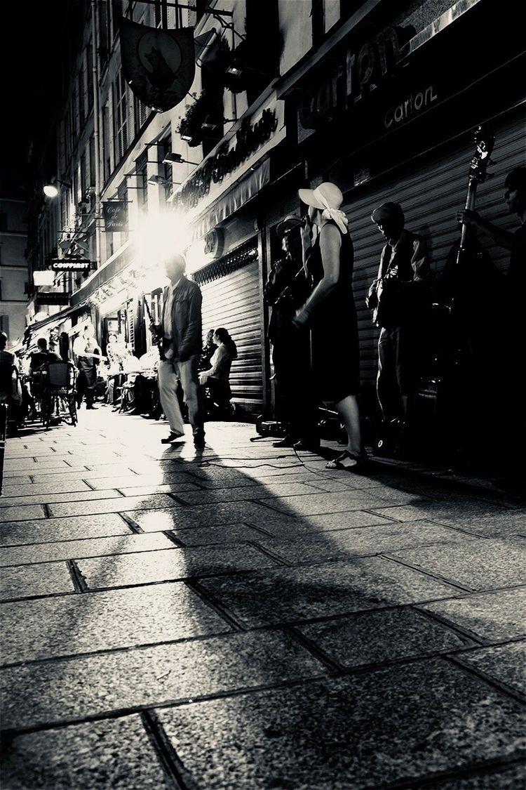 Street tunes Paris - streetphotography - zakirnaz | ello