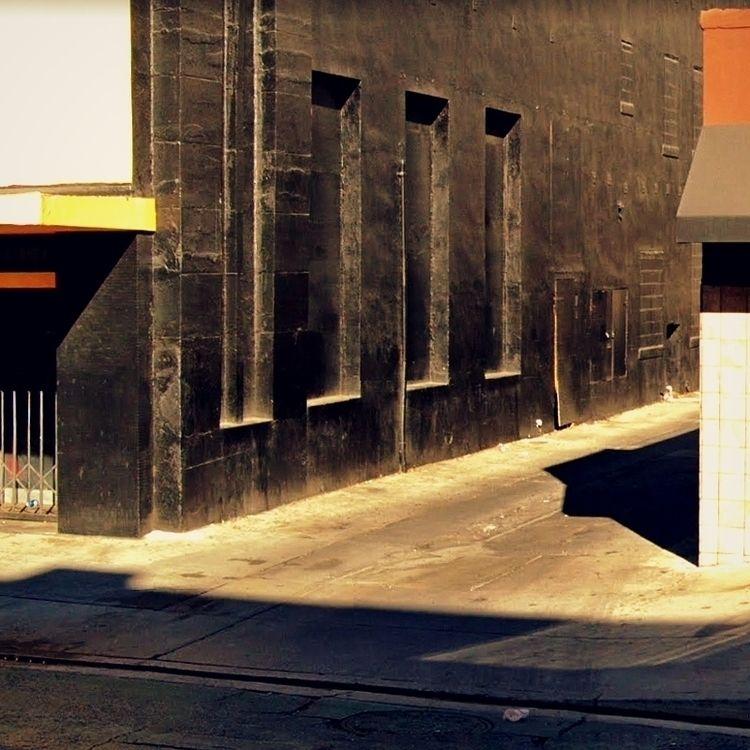 Alleys / East Broadway, Long Be - dispel | ello