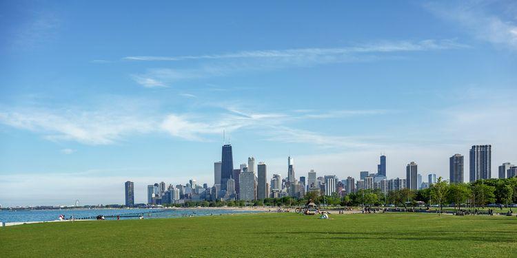 skyline Lincoln Park, Chicago.  - adam_dooley | ello