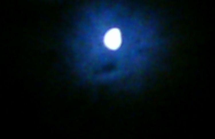 Moon 4:45 July 3rd 2018 photogr - awesomesubt | ello
