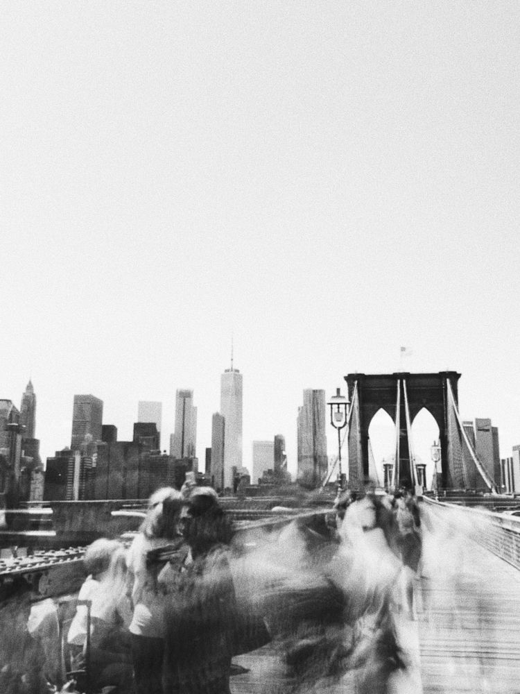 Selfies ghosts Brooklyn Bridge - lza_ | ello