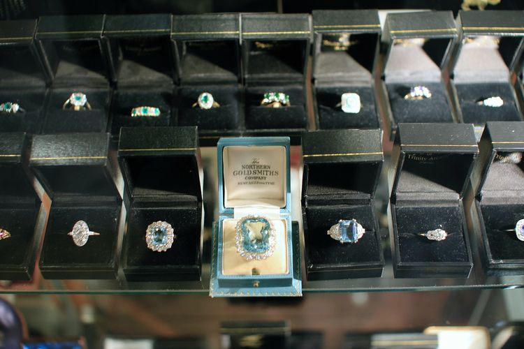 Fort Collins Buying Gift Loved  - jewelersfortcollins | ello