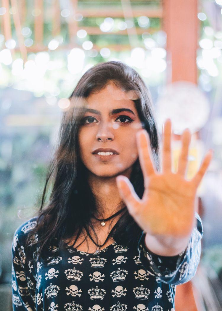 stop Model: Clara Linhares - photo - ilzysousa   ello