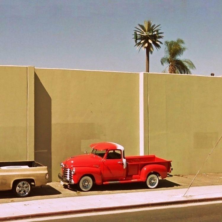 RGB California / Red Pickup Tru - dispel   ello
