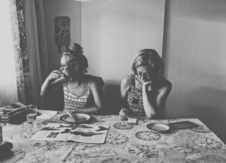 Sister mother mother - portrate - rajavuori | ello