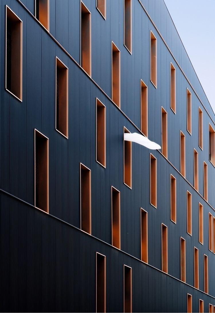 peace neighborhood - building, perspective - oliviermorisse | ello
