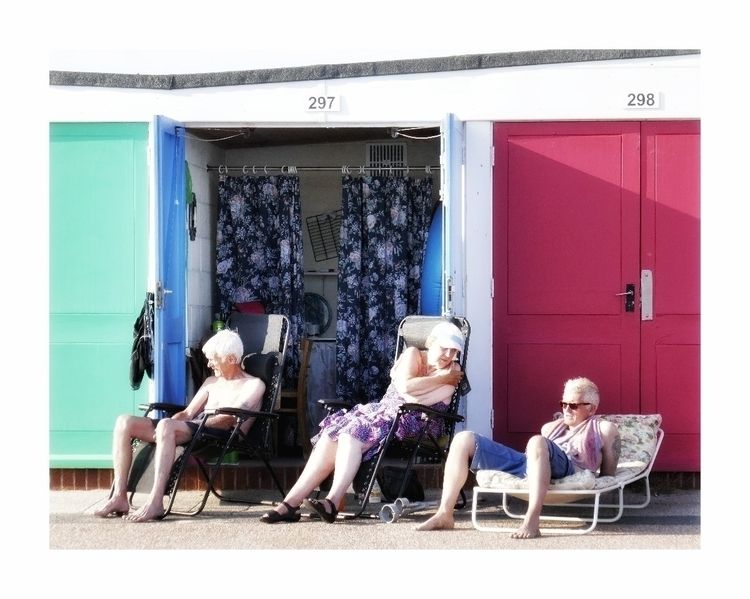 Beach Huts: Life Orginal Colour - alanclarkephotography | ello