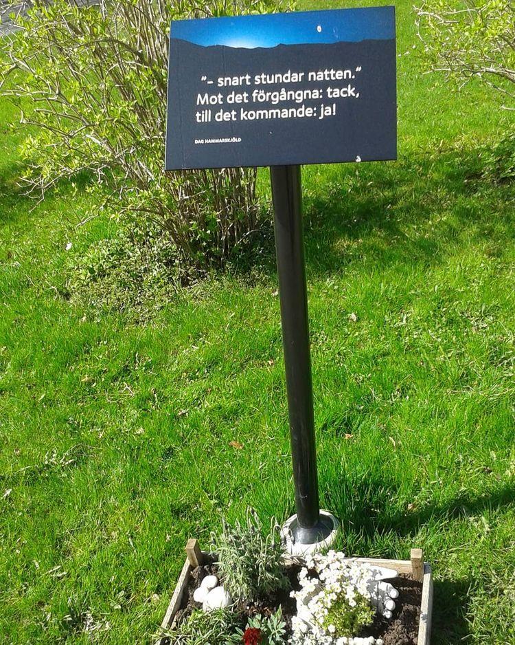 Trösteslingan ~ Kvastekulla Gri - skogskyrkogardar | ello