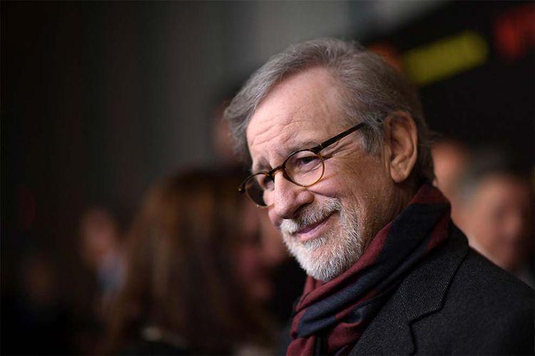 Apple teaming Steven Spielberg  - magazishnet | ello