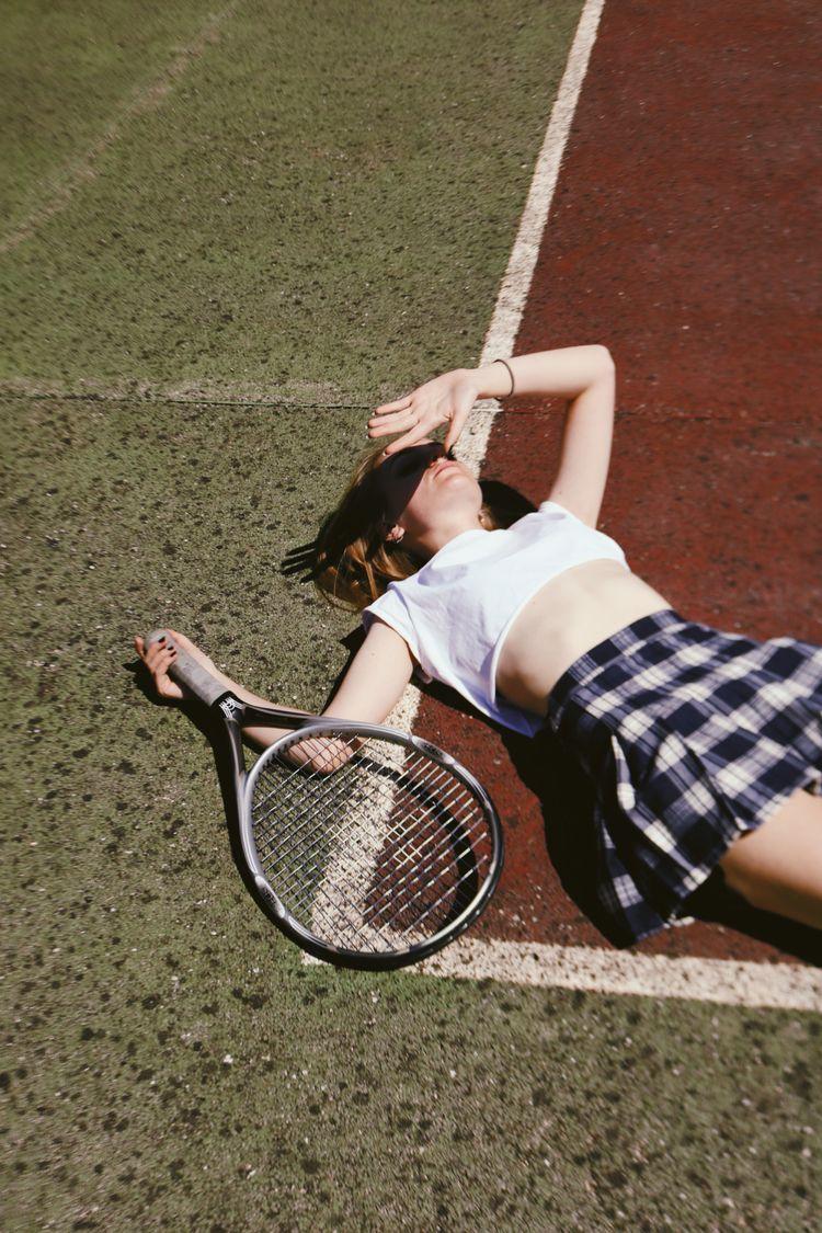 Tennis court - adrianacodes | ello