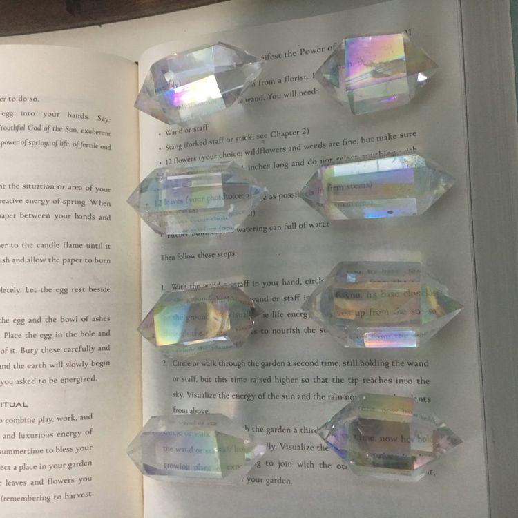 crystals, angelaura, aura, healingcrystals - kristalcave | ello