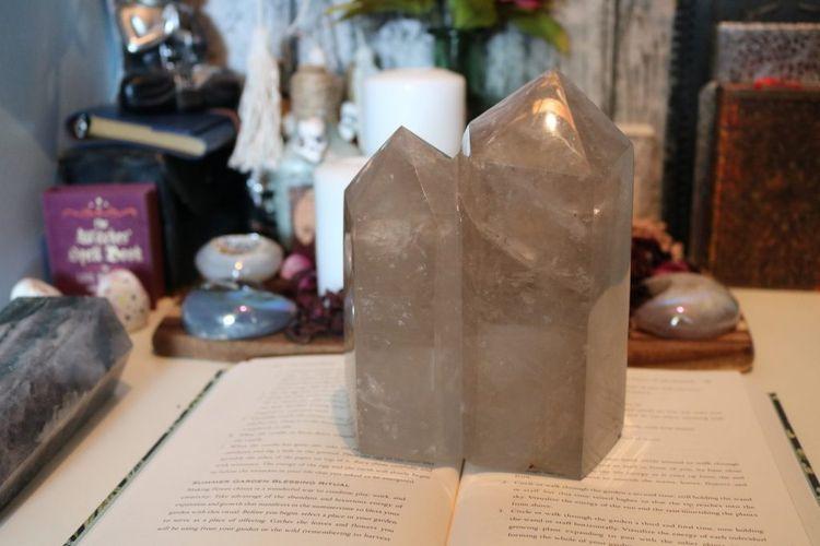 crystals, smokeyquartz, twintower - kristalcave | ello