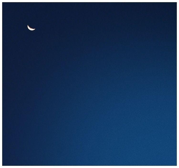 마음이 많이 좋지 않은 날들 - planet9 | ello