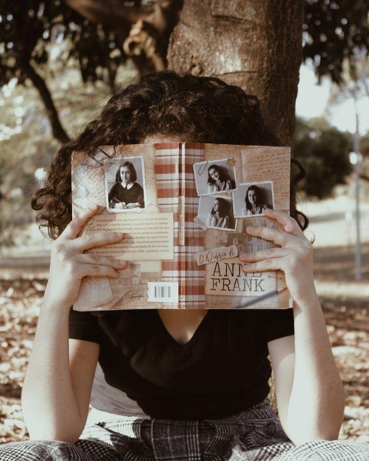 Reading freedom II - conceptualphotography - meneguecoph | ello